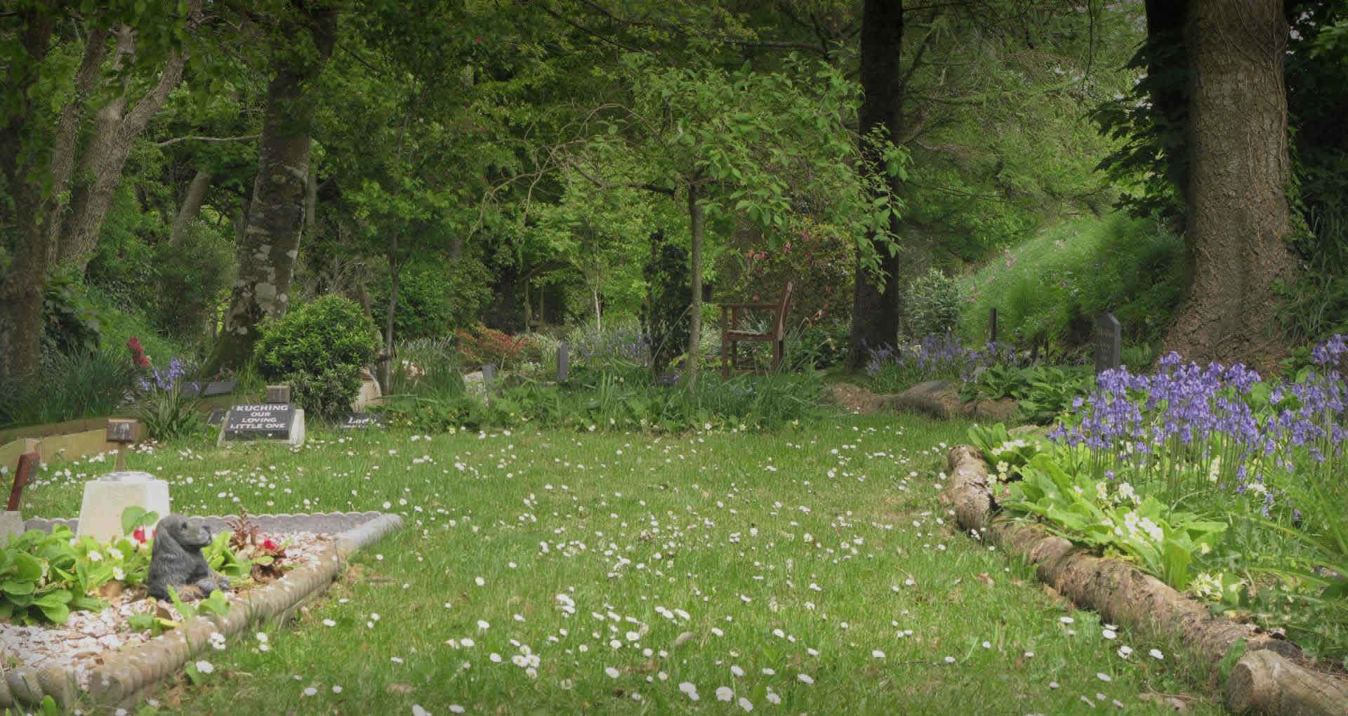 Pets Garden Remembrance Devon - Meadow Wood Pet Cemetery ...